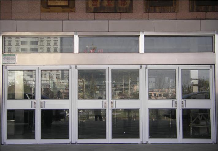 大型三开门钢制肯德基感应门